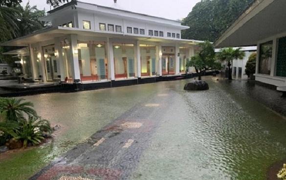 Genangan Air Di Istana Presiden Sudah Surut