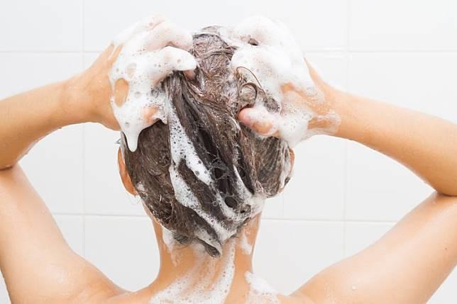 Cara Menghilangkan Semir Rambut dengan Efektif