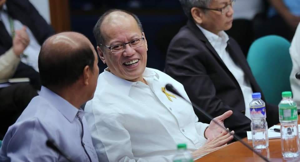 2 House panels clear PNoy over Dengvaxia