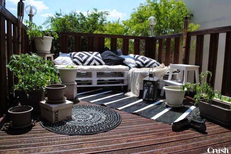 des balcons et des terrasses feng shui. Black Bedroom Furniture Sets. Home Design Ideas