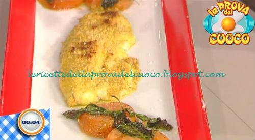 Spigola in crosta di mandorle ricetta Salvatori da Prova del Cuoco