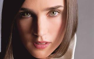 Banyak dari Anda mungkin iri dengan Angelina Jolie alasannya punya tulang pipi tepat Johnn 6 Cara Alami Membuat Pipi Tembem Kaprikornus Tirus