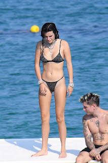 Bella-Thorne-continue-their-love-filled-romantic-holiday-in-Sardinia%2C-Italy.-k7fcnjfud7.jpg