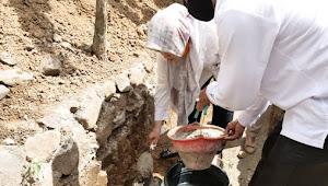 Kunker di Wawo, Bupati Lakukan Peletakan Batu Pertama Pembangunan Drainase