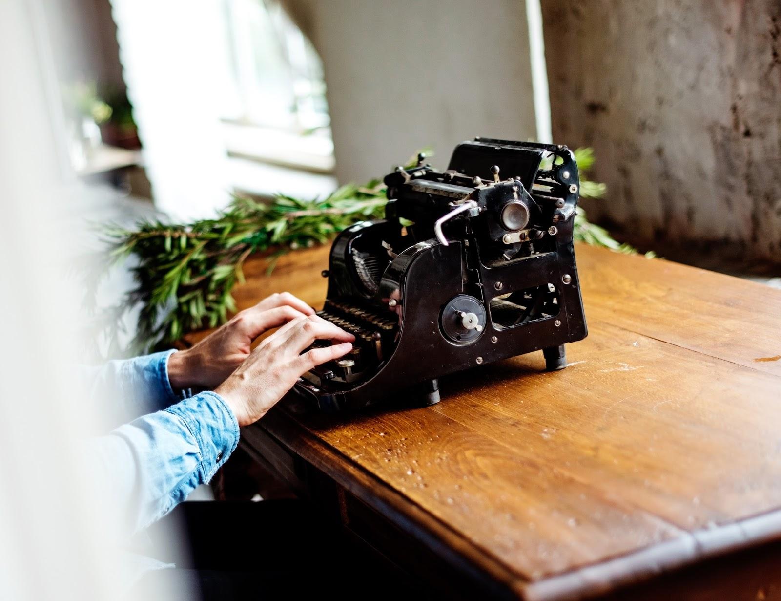 Dia do Escritor: 5 escritores nacionais para você conhecer