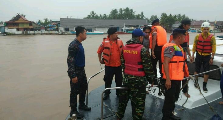 Tenggelam di Perairan Sinjai, KLM dua Putra Terdampar di Perairan Teluk Bone