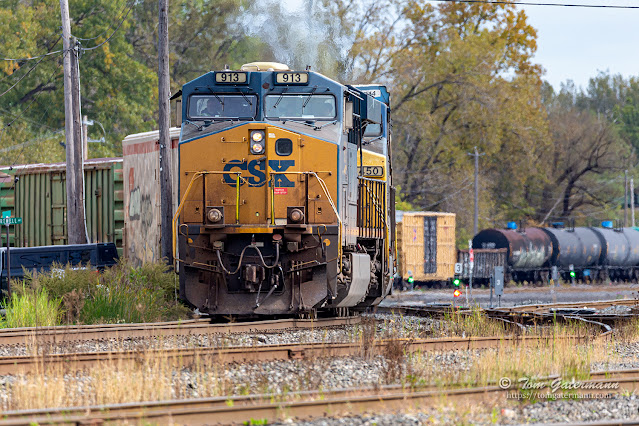 Q367-06 snakes it's way out of DeWitt Yard