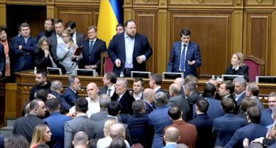 """""""Слуги народа"""" приняли в первом чтении законопроект о продаже земли"""
