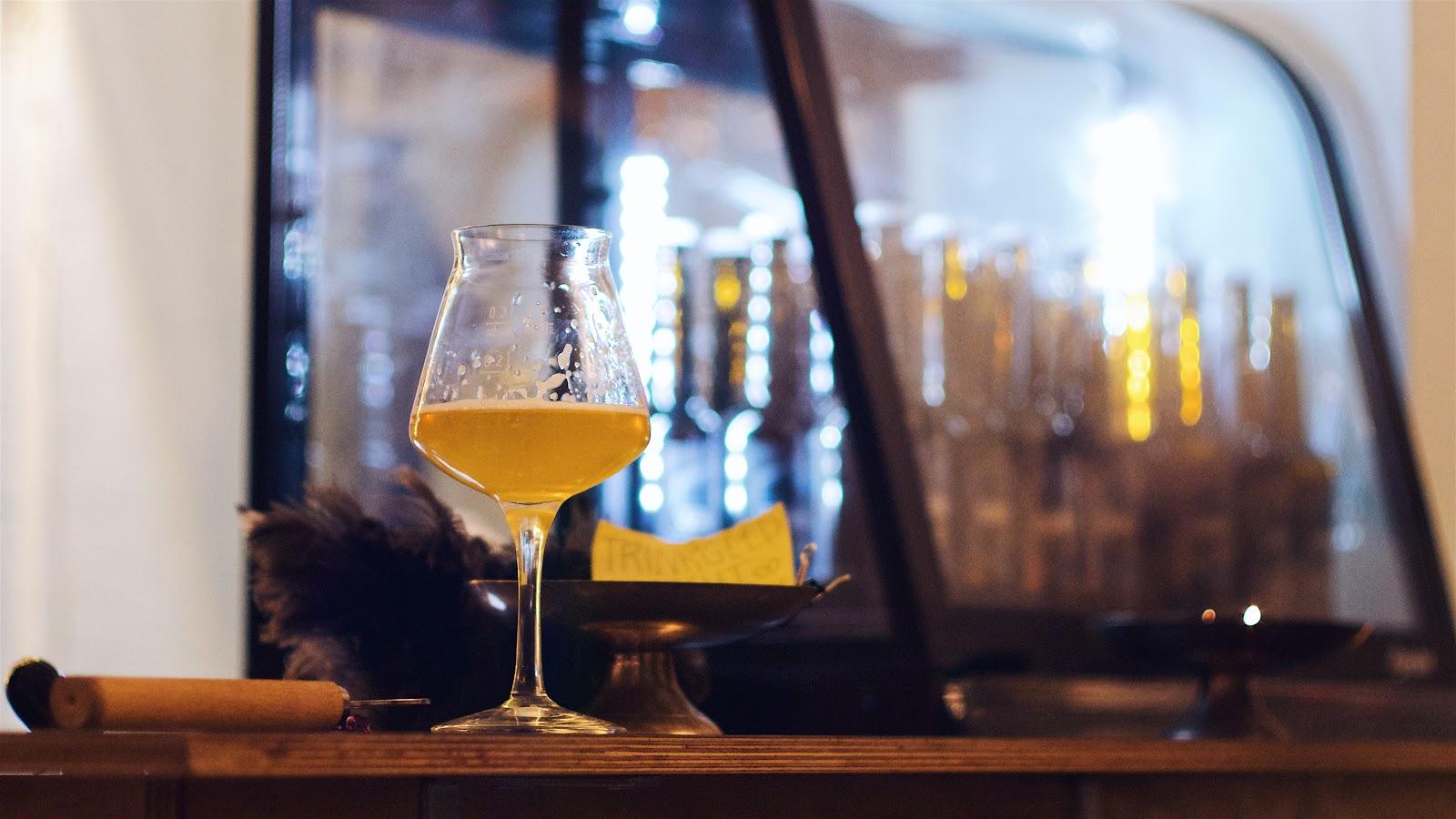 Schwebisch Hell Bier im Tastinglas - Das Wuppertaler Bier aus dem Craft Beer Kiosk