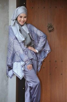 Gaya Busana Muslim Zaskia Adya Mecca Model Baju Busana Muslim Terbaru