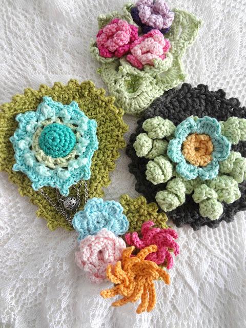 Crochet Brooches – Mix & Match