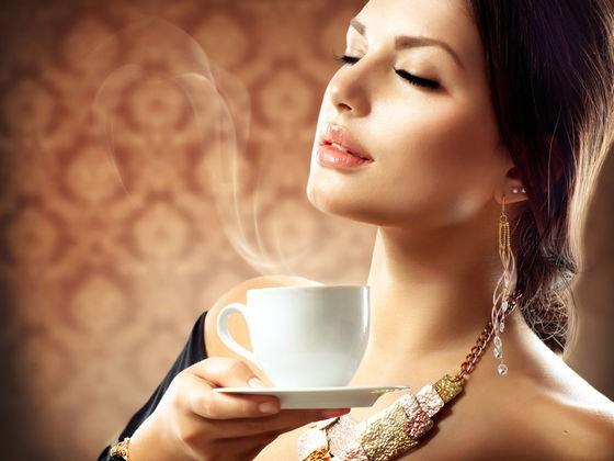 فوائد القهوة للنساء- فوائد القهوة باللبن- فوائد القهوة للبشرة- أضرار القهوة