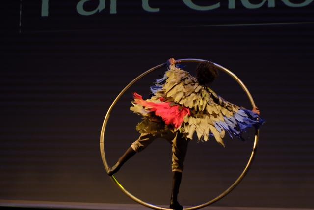 Artista Aro acrobatico em evento de premiação Part Club em São Paulo.
