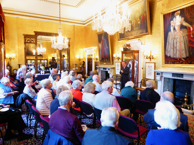 A guided tour of Armourers' Hall