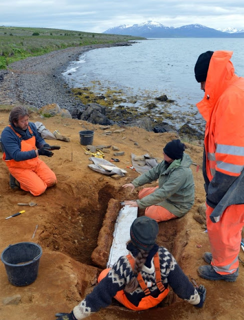 Pearls, Viking swords, spears and shields among hundreds of items excavated in N. Iceland