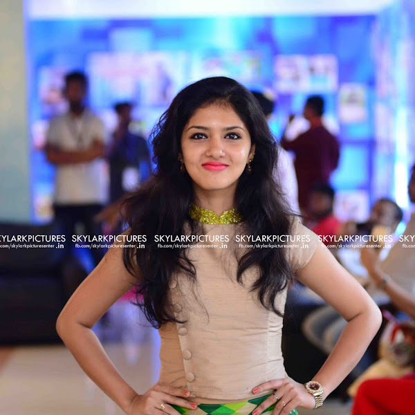 Gayathri Suresh latest photos from 19th Asianet Film Awards