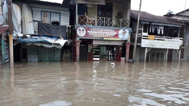 Kampung Aur Diterjang Banjir, 1700 Warga Memilih Bertahan di Rumah