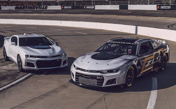 Chevrolet Camaro ZL1 2022 da NASCAR chega parecido com modelos de rua