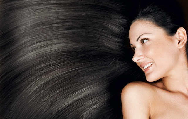 Cabelos: Seis dicas para manter cabelos longos saudáveis