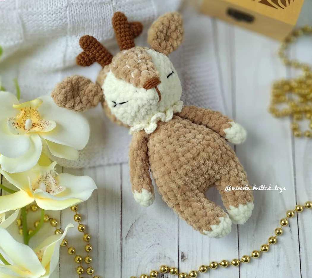 Crochet plush deer pattern