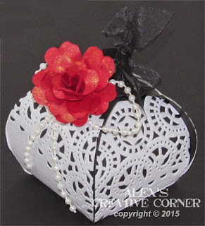 Delicate Boxes Decoration for your Wedding Souvenirs.