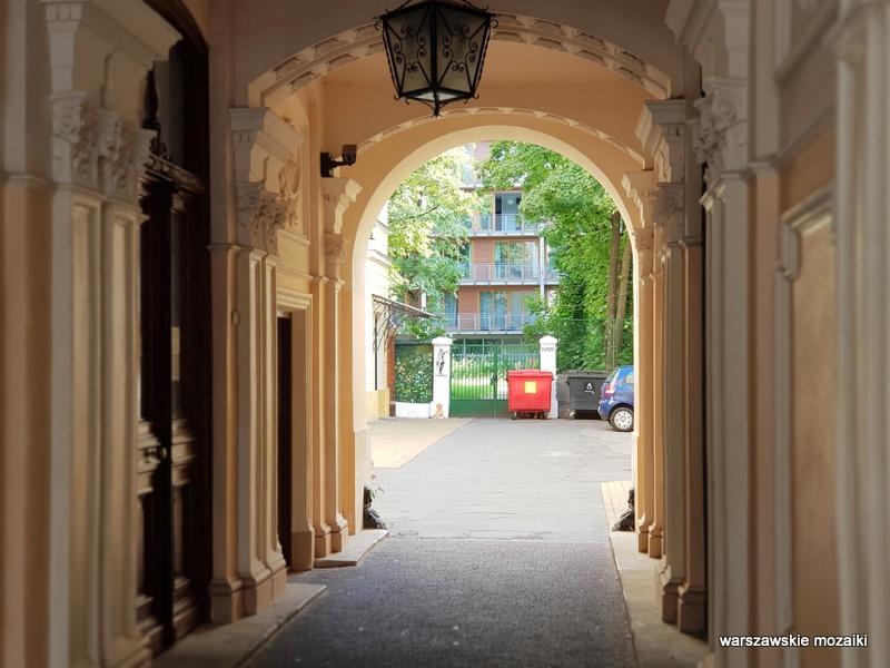 przejazd bramny brama Warszawa Warsaw kamienica architektura architecture zabytek warszawskie kamienice