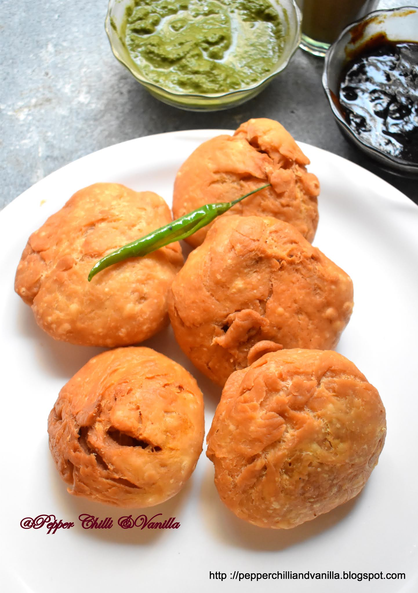easy moong dal kachori recipe