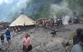 Sebuah Rumah Rakyat Papua Dibakar oleh Militer dan Polisi Indonesia
