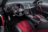 Nissan GT-R Nismo (2017) Interior