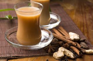 Холодный чай с ромом и молоком
