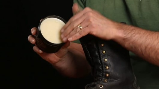 How_To_Increase_The_Life_of_Work_Boots