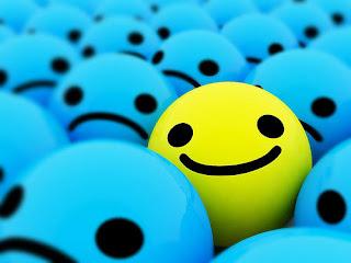 El acto de reír es una buena herramienta para aumentar la autoestima y contribuye a mantener la salud física y mental, índices de inteligencia más altos suelen tener mejor sentido del humor, según con un estudio hecho por investigadores de la Universidad de Nuevo México. Otros estudios indican que quienes ríen de su propia condición, anticipándose a la risa de los demás, socializan mejor. La risa, esa característica humana que ha estado presente en todas las épocas y culturas, no sólo es una de las aliadas más grandes de la salud física y mental; a quien es dueño de una