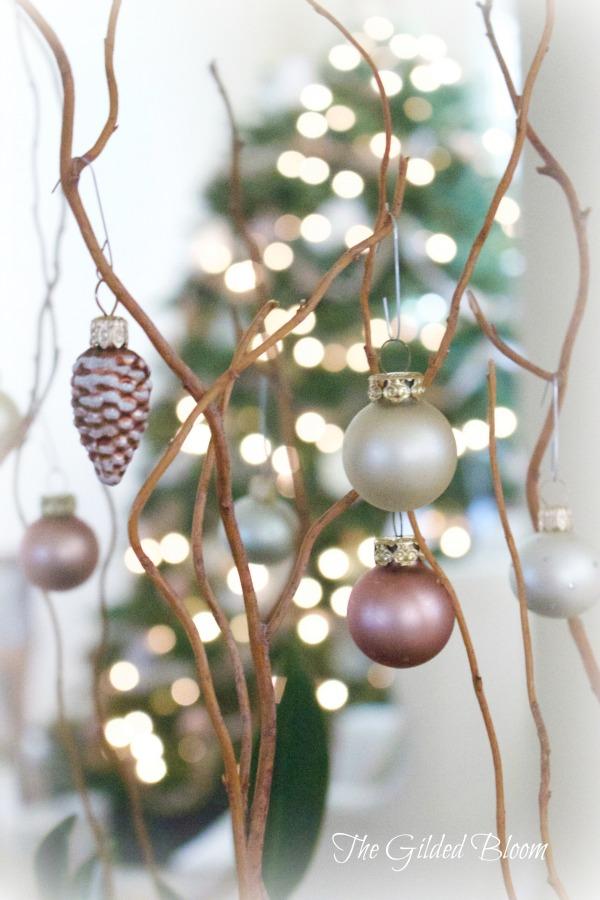 Holiday Ornaments www.gildedbloom.com #holidaydecorating