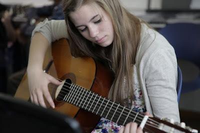 Kiến thức cho người mới học đàn guitar