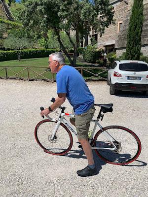 carbon road bike rental in civita castellana viterbo