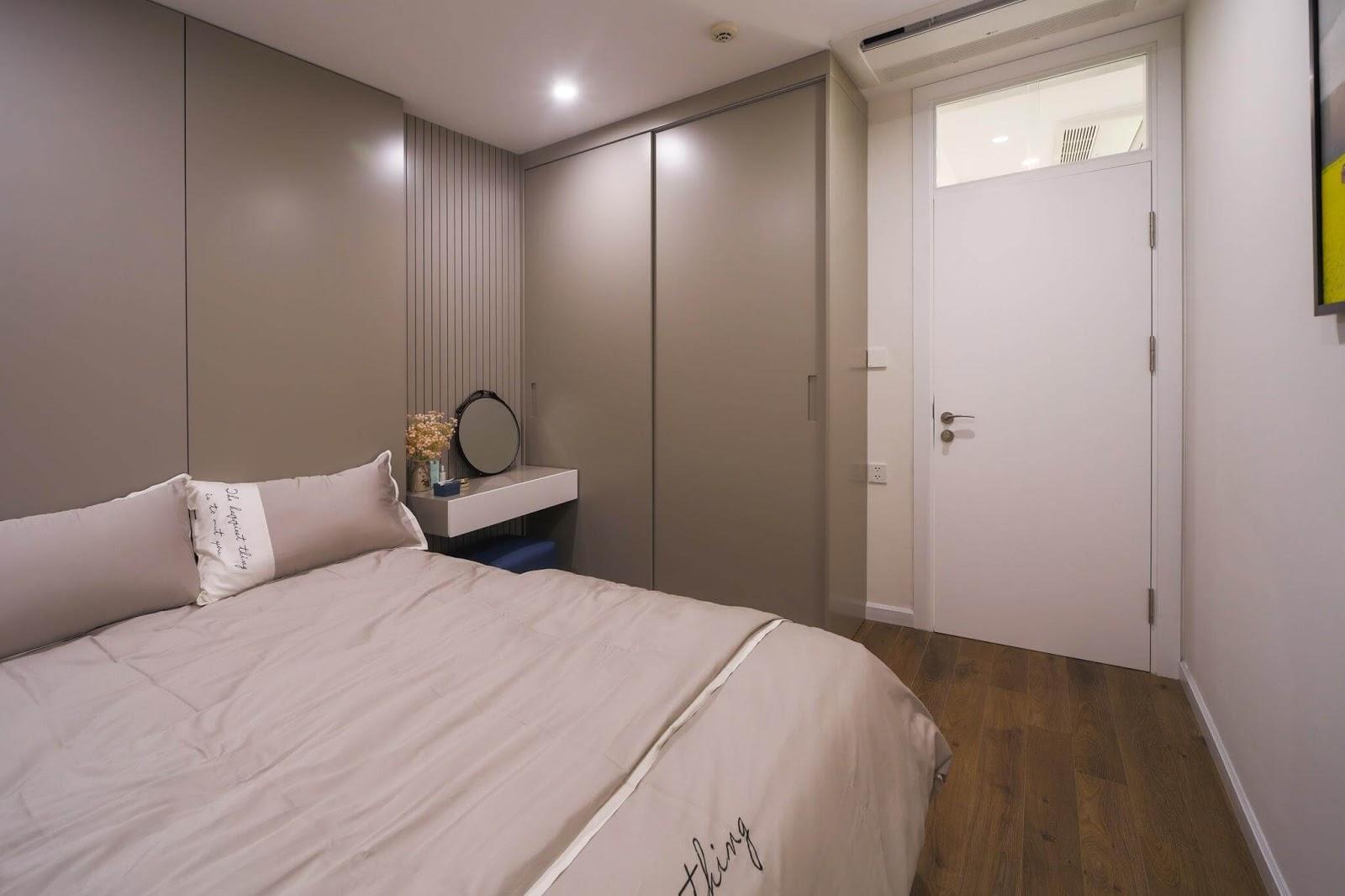 Góc nội thất phòng ngủ nhỏ căn hộ AQH Thượng Thanh.