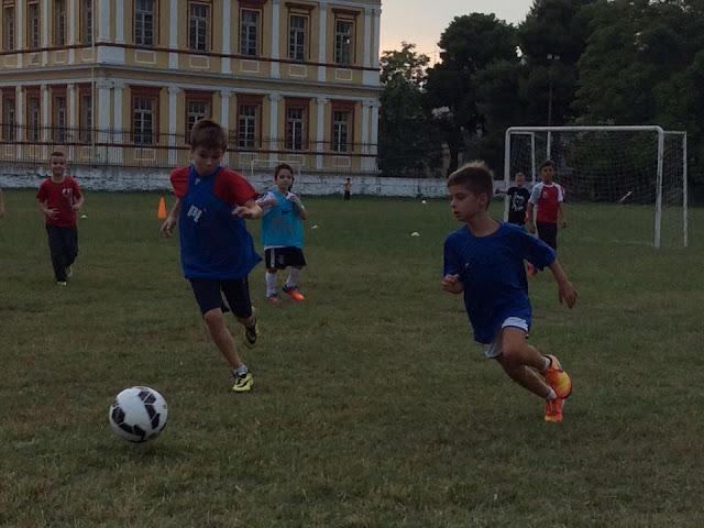 η προπόνηση των ακαδημιών ποδοσφαίρου pro junior stiw egkatast;aseiw maw