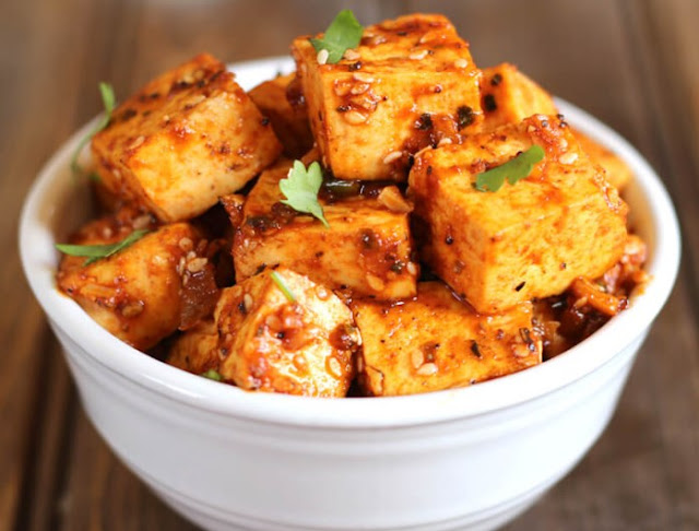 CRISPY HONEY SRIRACHA TOFU #vegetarian #dinner