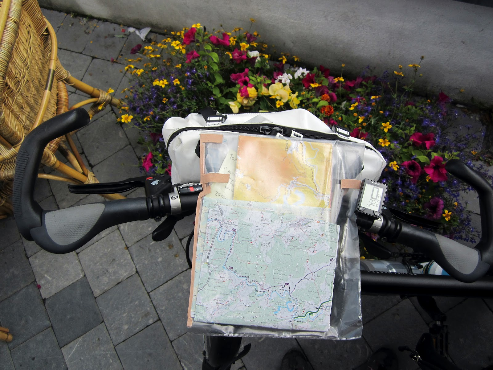 Cycling Without A Helmet Handlebar Bag Map Holder