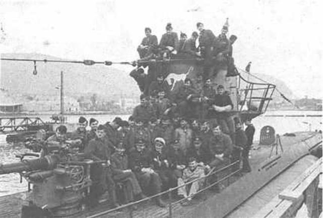 U-559 with its crew, 19 August 1941 worldwartwo.filminspector.com