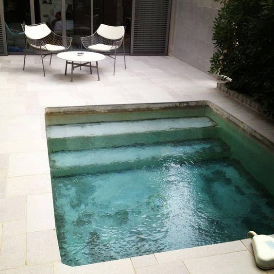 La buhardilla decoraci n dise o y muebles piscinas - Piscinas para patios ...
