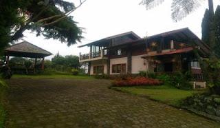 Villa Pak Aca Tempat Parkir leluasa