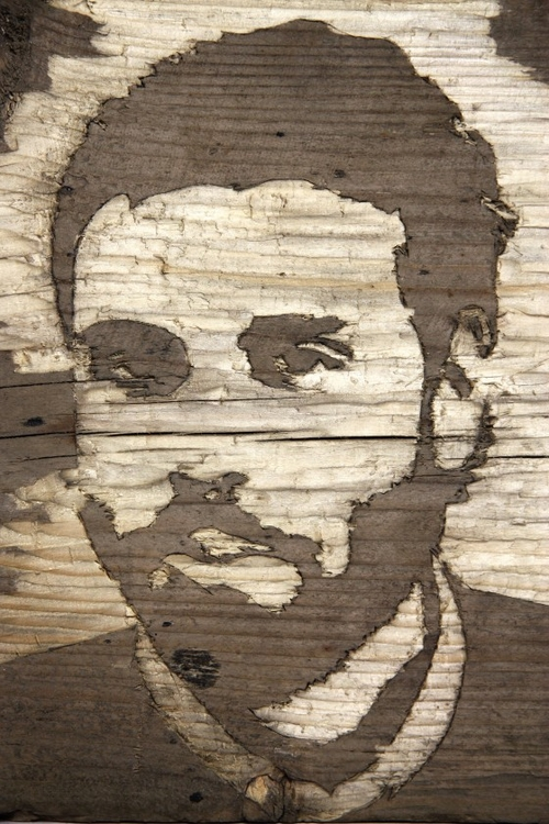 10-Wood-Portraits-Kyle-Bean-Illustrator-Art-Director-who-makes-things-out-everything-www-designstack-co