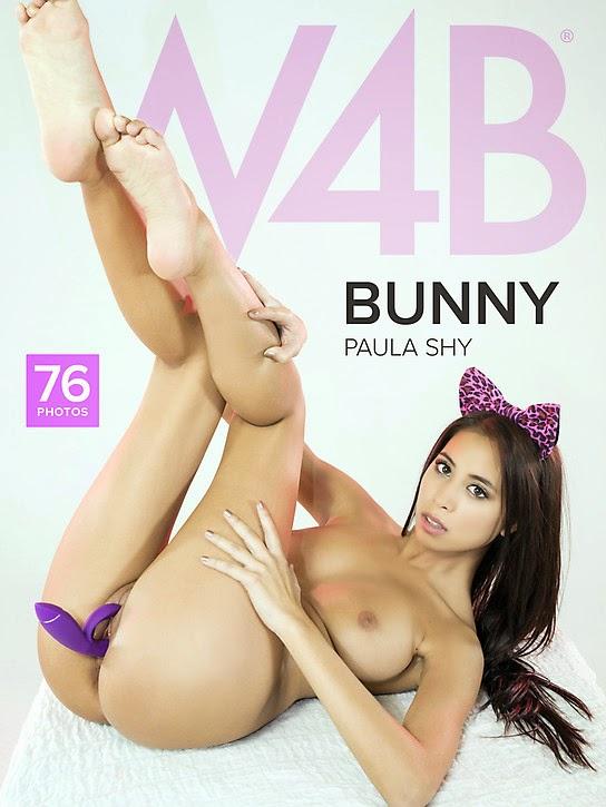 W22B 2015-01-06 Paula Shy - Bunny 12070
