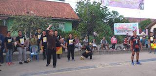 100 Klub Bola Voli Memperebutkan Piala Fasha CUP Turnamen Kejuaran Bola Voli Di Klub Mitra Rt 23 Kelurahan Thehok Kota Jambi.