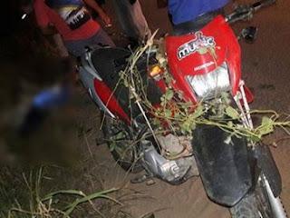 Homem morre após cair de moto na PB; garrafa de cachaça é encontrada na mão dele