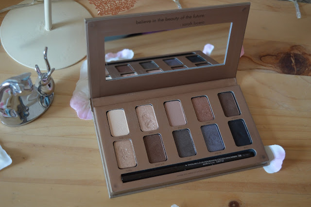 Stila 'In the Light' Eye Shadow Palette