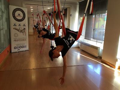 yoga aereo mexico formacion oficial acreditada