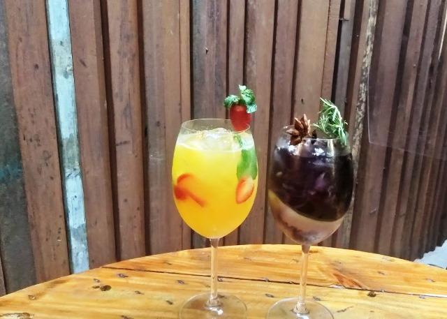 Saboreando drinks no Tutto Nhoque