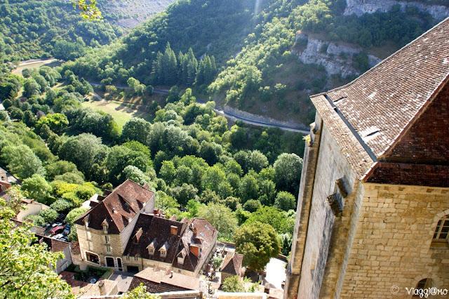 Vista sul Canyon dell'Alzou e sui tetti di Rocamadour